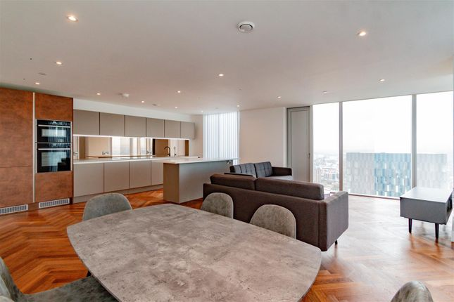 Thumbnail Flat to rent in Deansgate Square, Manchester