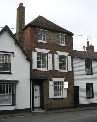 Front of Portland Road, Hythe CT21