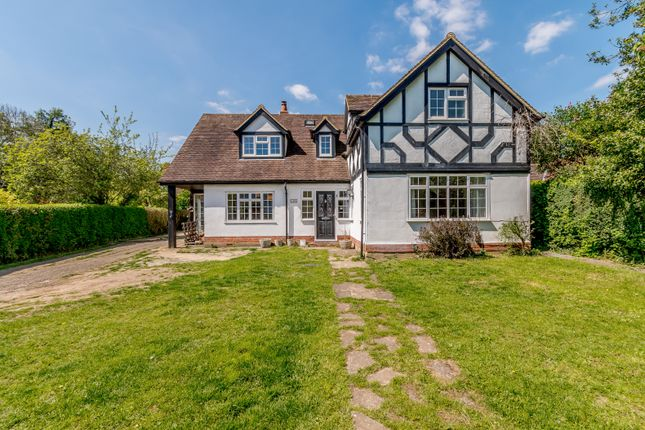 Thumbnail Detached house for sale in Abbots Road, Abbots Langley, Hertfordshire