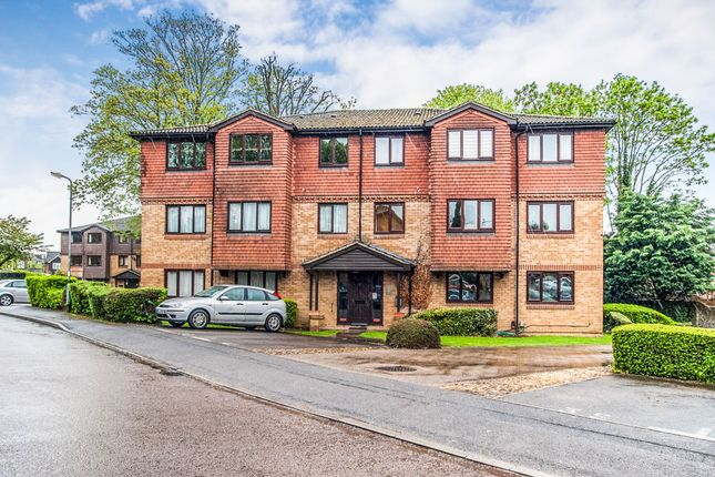 Thumbnail Flat for sale in Tylersfield, Abbots Langley