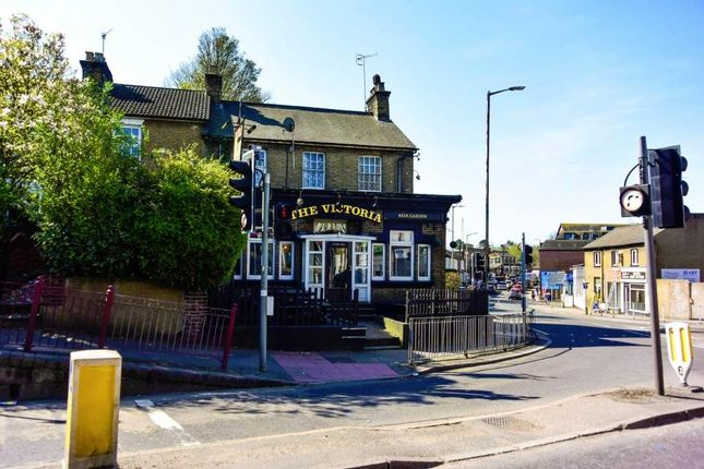 Thumbnail Pub/bar for sale in Chalk Hill, Watford