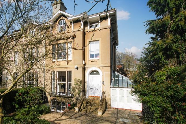 Thumbnail Semi-detached house to rent in Park Town, Oxford