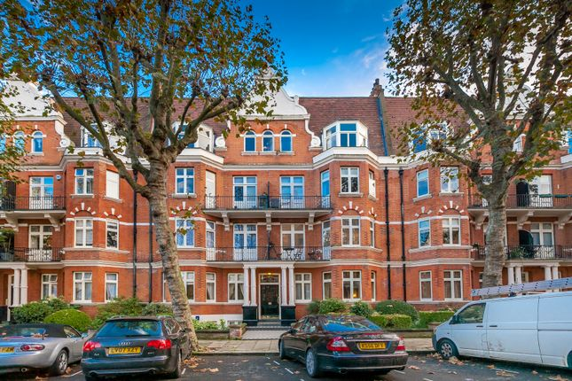 3 bed flat to rent in Lauderdale Road, Maida Vale