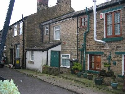 Thumbnail Cottage to rent in Owens Row, Horwich