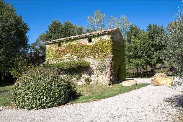 Picture No. 36 of Villa Martinazzi, Preggio, Umbria, Italy