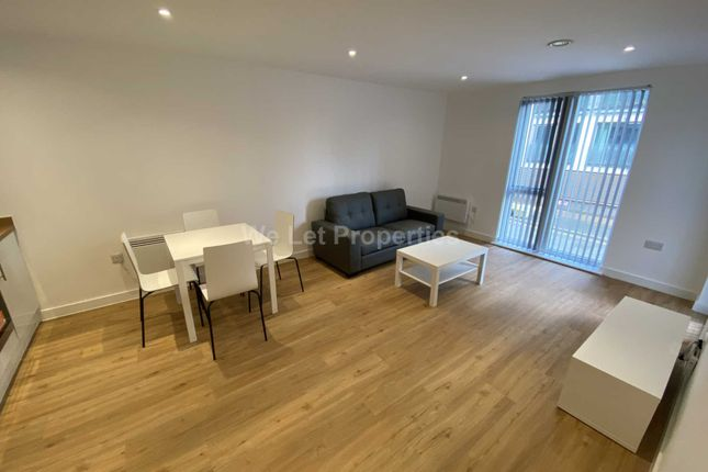 2 bed flat to rent in X1 Plaza, Advent Way M4