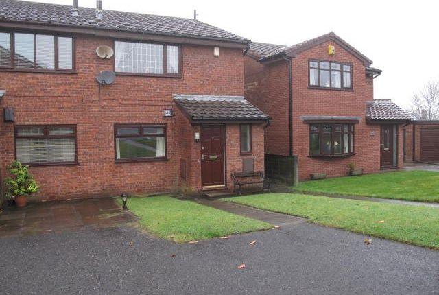 Thumbnail Maisonette to rent in Vicarage View, Castleton, Rochdale