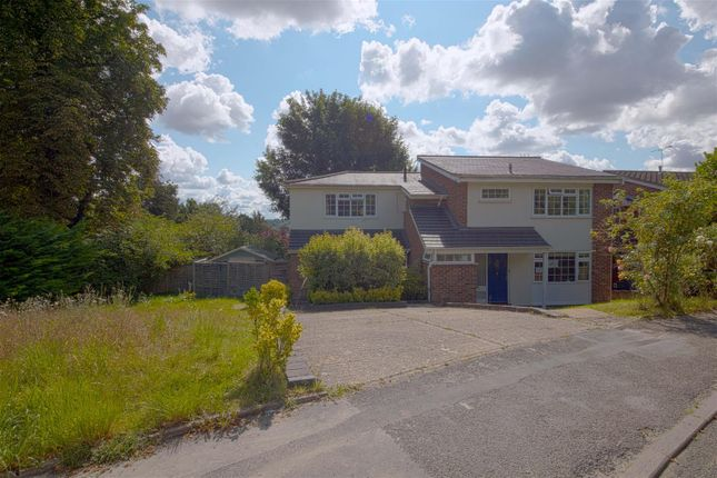 Thumbnail Property to rent in Barnards Hill, Marlow