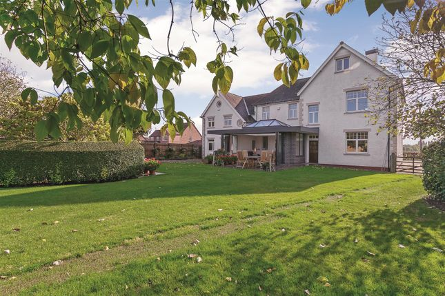 Thumbnail Detached house for sale in Deppers Bridge, Southam, Warwickshire