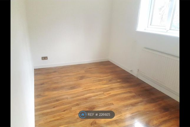 Thumbnail Flat to rent in Polygon Road, Crumpsall