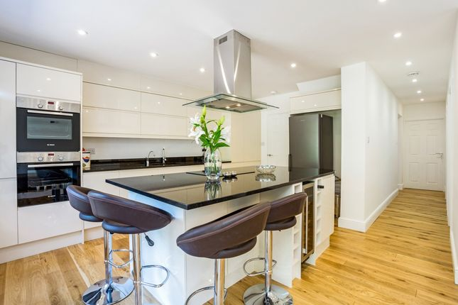 Thumbnail Semi-detached house to rent in Wavell Road, Maidenhead