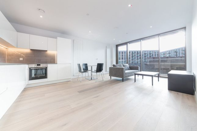 Thumbnail Flat to rent in Commodore House, 8 Admiralty Avenue, Royal Wharf, London