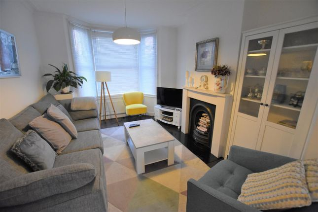 Thumbnail Property to rent in Warwick Road, West Drayton