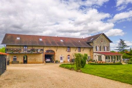 Thumbnail Equestrian property for sale in Charroux, Vienne, France