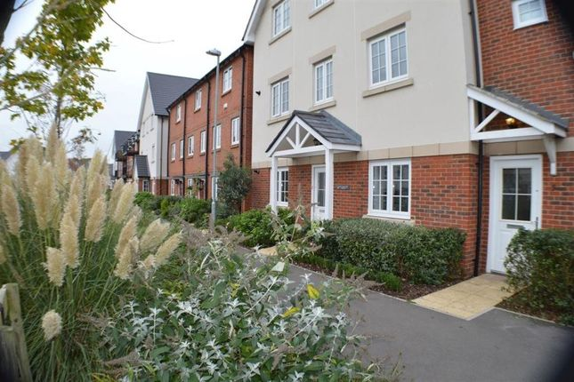 Thumbnail Maisonette to rent in Wellsbourne House, High Wycombe