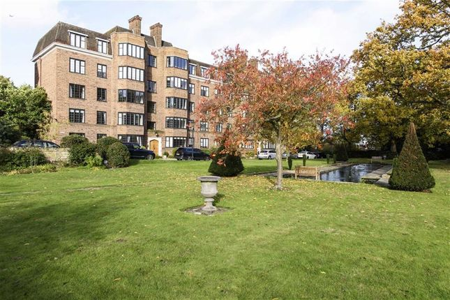 Thumbnail Flat to rent in Glenalmond House, Manor Fields, Putney