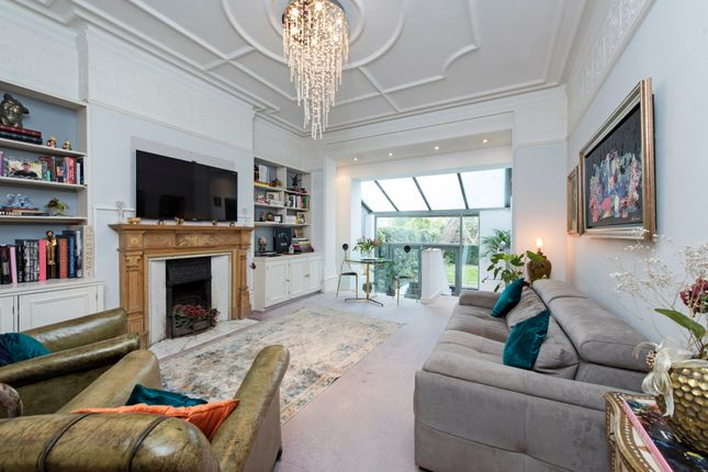 Thumbnail Flat to rent in Wexford Road, London