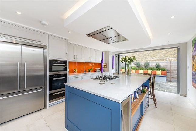 Thumbnail Terraced house to rent in Heslop Road, London