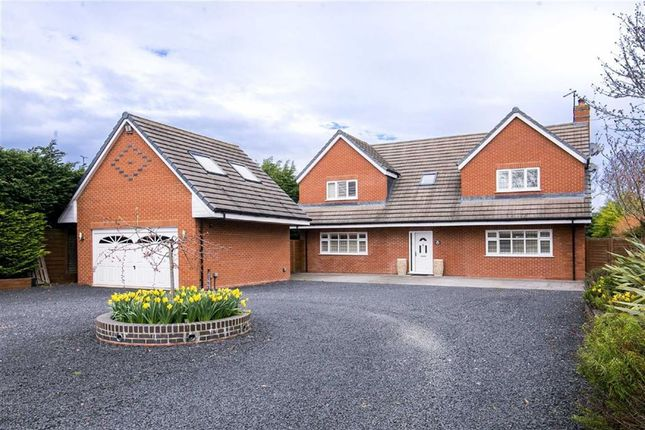 Thumbnail Detached house for sale in Warwick Road, Southam