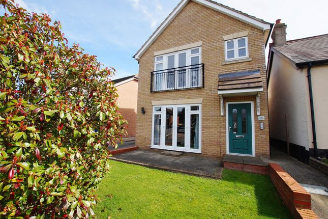 Thumbnail Flat for sale in Rayleigh Road, Benfleet