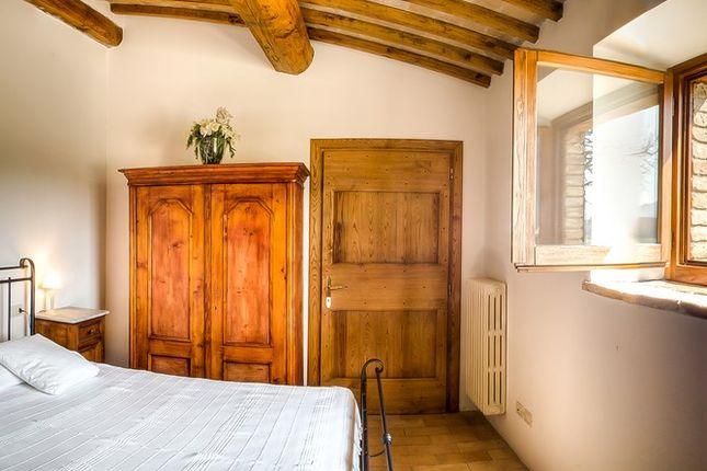 Bedroom of Villa Pianesante, Collelungo, Todi, Umbria