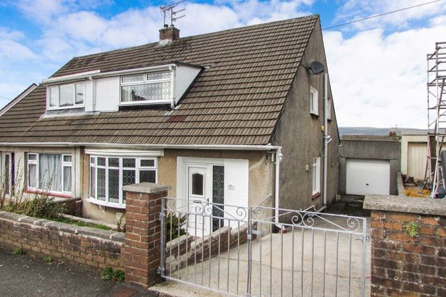 Thumbnail Bungalow to rent in Chantal Avenue, Pen-Y-Fai, Bridgend
