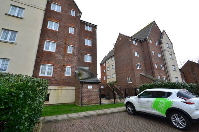 Thumbnail 2 bed flat to rent in Madeira Way, Eastbourne