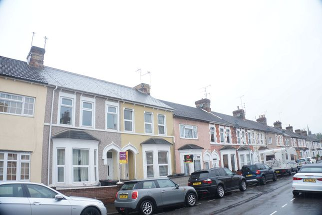 3 bed terraced house to rent in Theobald Street, Swindon