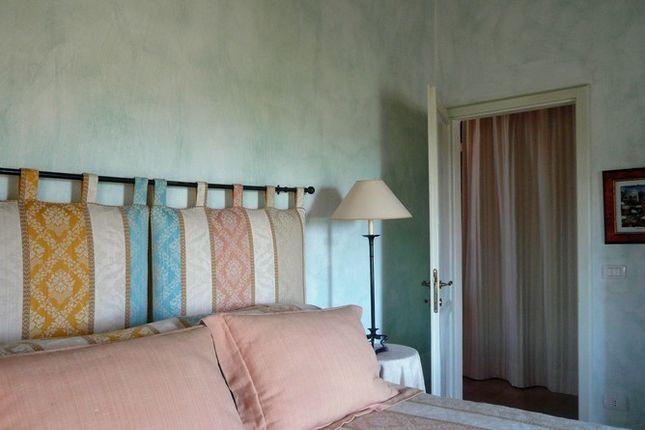 Bedroom of Casa Porto, Tuoro Sul Trasimeno, Umbria