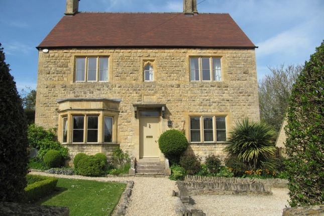 Thumbnail Detached house for sale in Station Road, Chipping Campden