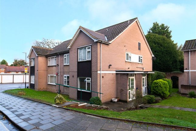 Picture No. 17 of Hewett Close, Stanmore HA7