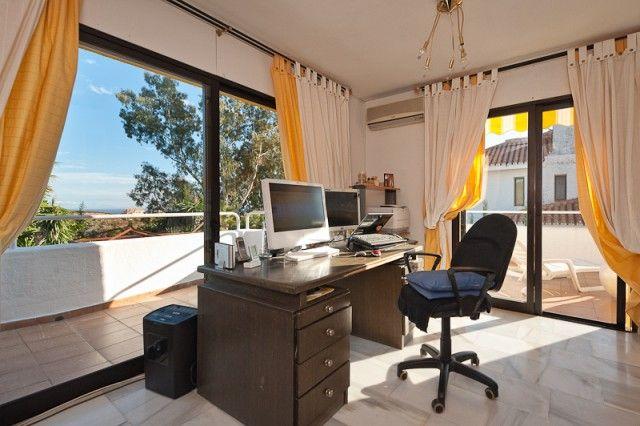 Office of Spain, Málaga, Marbella, Nueva Andalucía
