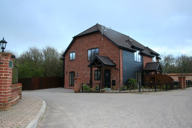 Thumbnail Semi-detached house for sale in 4 Northlands Park, Emsworth