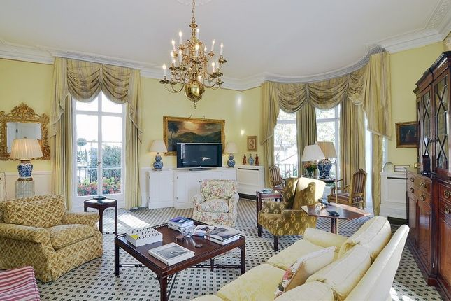 Thumbnail Property to rent in West Halkin Street, Belgravia