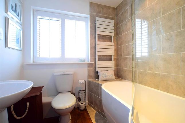 Bathroom of Glynn Road, Peacehaven, East Sussex BN10