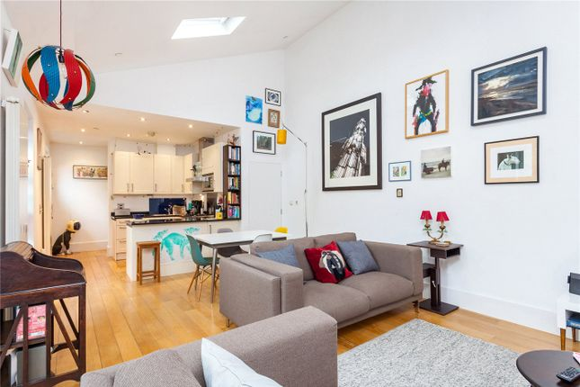 Thumbnail Property to rent in Prices Mews, Barnsbury