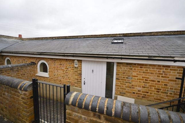 Thumbnail Bungalow to rent in Cockering Road, Chartham, Canterbury