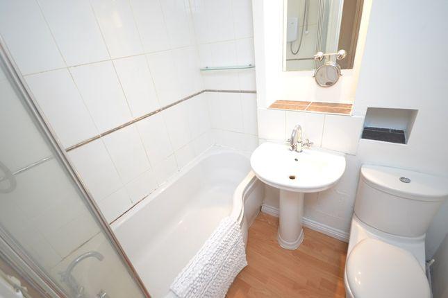 Bathroom of Marmion Road, Cumbernauld G67
