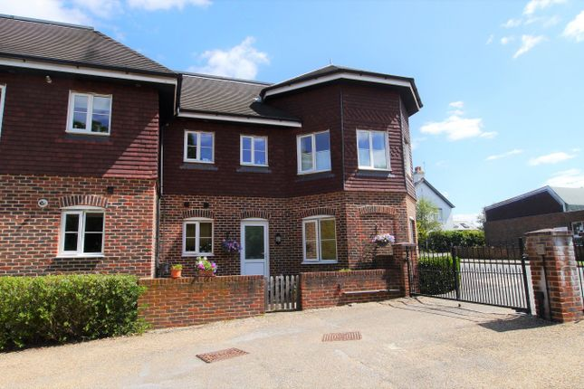 Thumbnail Flat to rent in Martlett Court, Rudgwick