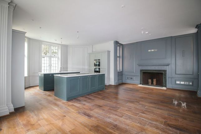 Thumbnail Flat for sale in New Court, Liston Road, Marlow