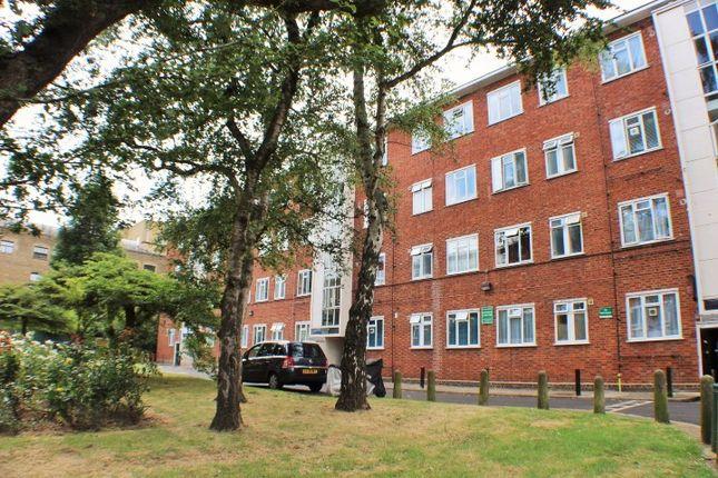 Thumbnail Flat for sale in Kilburn Vale, London