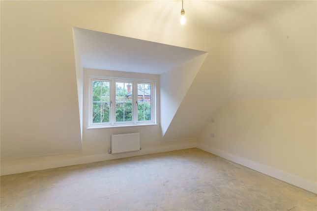 Bedroom Two of Shooters Hill, Pangbourne, Berkshire RG8