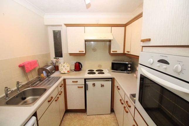 Kitchen of Manchester Road, Sheffield S10