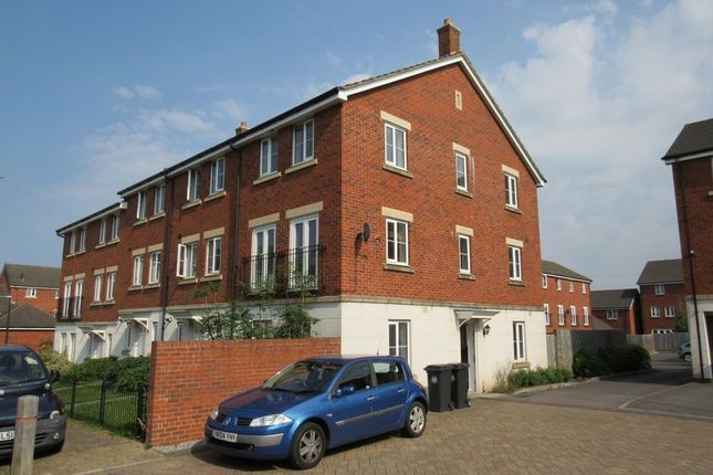 4 bed end terrace house for sale in Beatrix Place, Horfield, Bristol