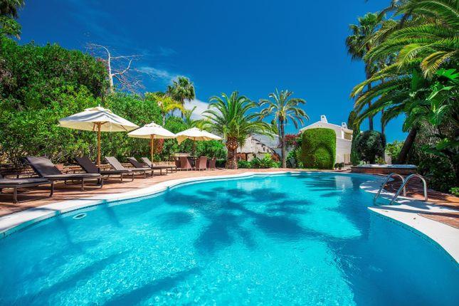 Thumbnail Villa for sale in Los Naranjos, Nueva Andalucia, Marbella