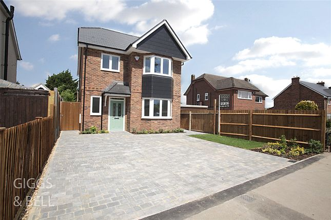 Thumbnail Detached house for sale in West Hill Road, Luton, Bedfordshire