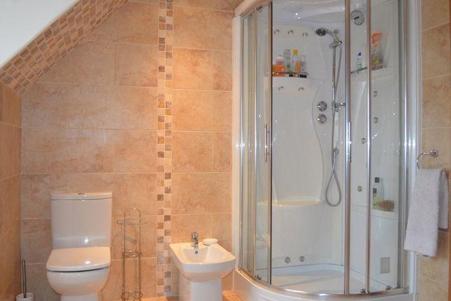 Bathroom of Chapel Road, Three Crosses, Swansea SA4