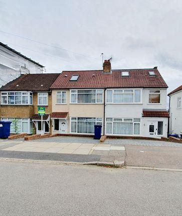 Thumbnail Terraced house for sale in Daneland, East Barnet