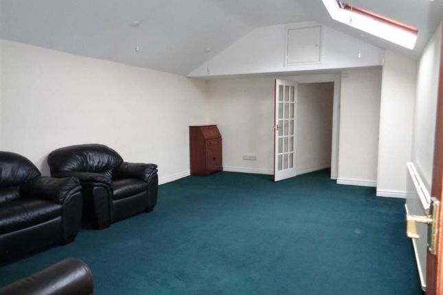 Thumbnail Flat to rent in London Road, Hazel Grove, Stockport