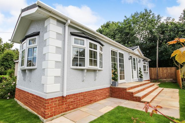 Thumbnail Mobile/park home for sale in Newlands Park, Bedmond Road, Abbots Langley